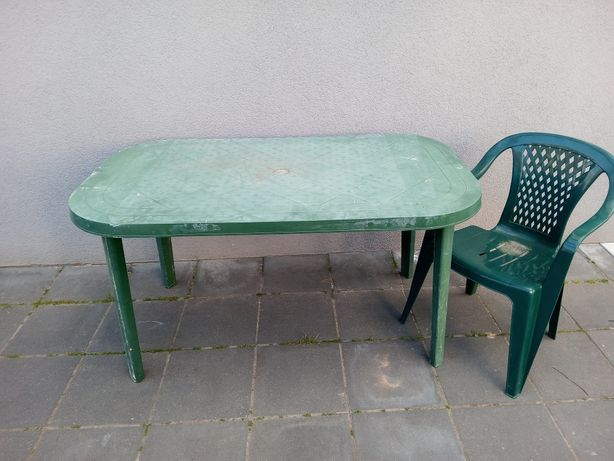 Zestaw plastikowych mebli ogrodowych 4 krzesła ogrodowe + stół gratis