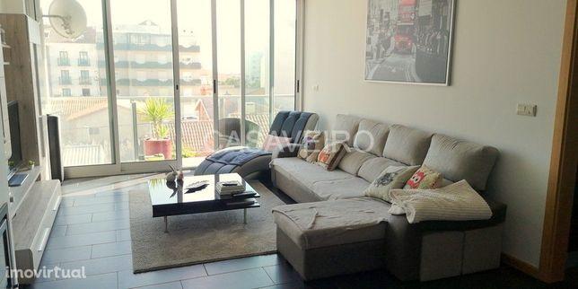 EXCLUSIVO  Excelente Apartamento de Luxo T3 Implex com terraço