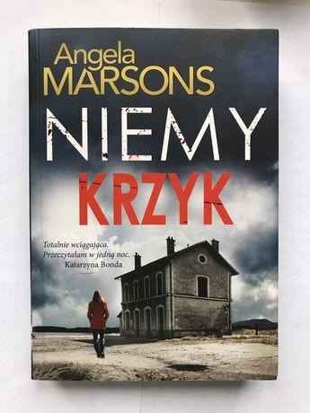 """Książka """"Niemy Krzyk"""""""