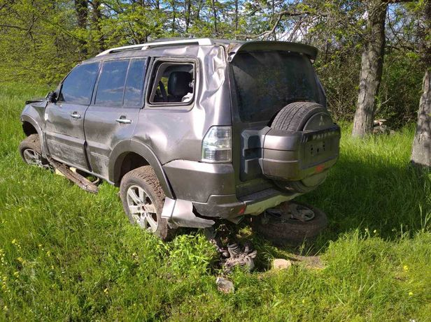Продам или обменяю  автомобиль Митсубиси Паджеро 4 2011 г