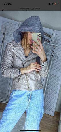 Курточка кожзам Hollister M