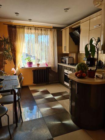 Квартира 3-х комнатная в центре, автономным отопление!