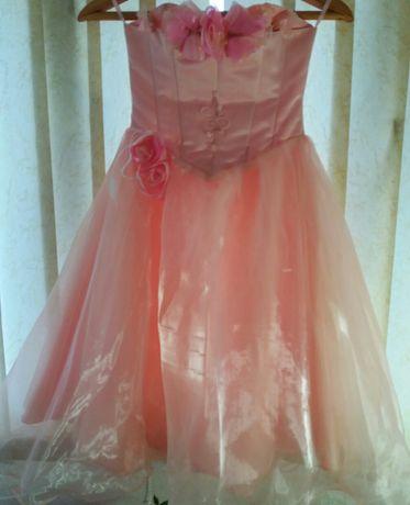 Платье праздничное для девочки 6-8 лет