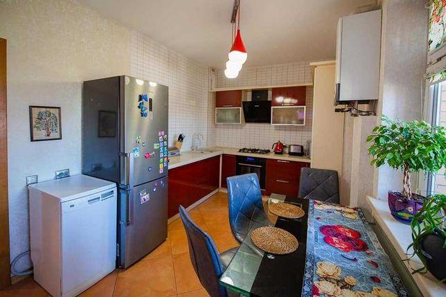 Продам терміново 3 х кім квартиру в Куполах m
