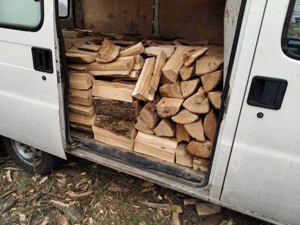 Колотые дрова твердых пород ( дуб, ясень,акация)