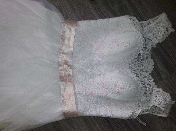 Piękna suknia ślubna r S/XS