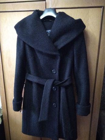 Пальто полупальто демисезонное р.44