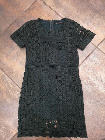 116 Reserved koronkowa sukienka.