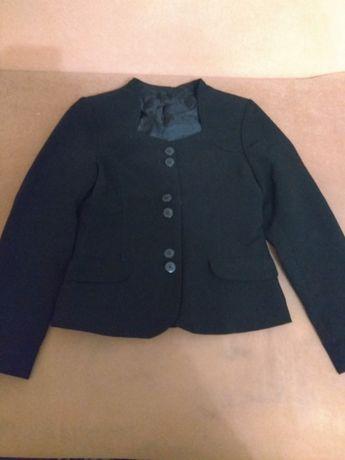 Школьный костюм - пиджак, сарафан, юбка и жилетка для девочки