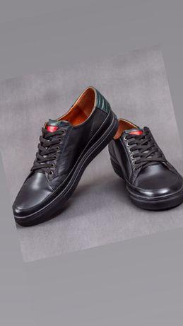 Продам туфли мужские кожаные. Кожаные кеды