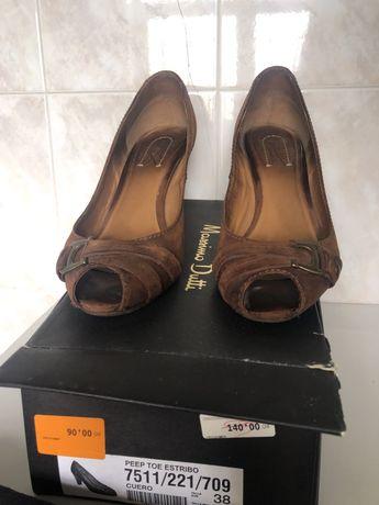 Sapatos massimo dutti tam.38