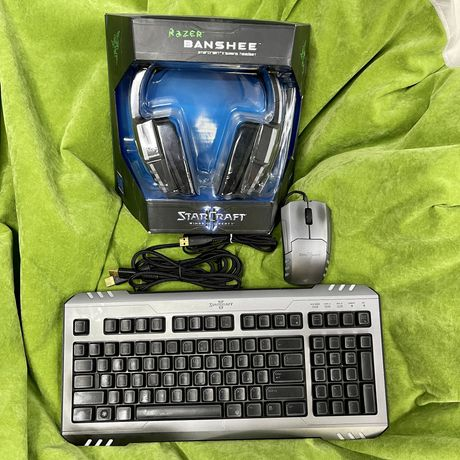 Star Craft 2 Razer (клавиатура,мышка,наушники)