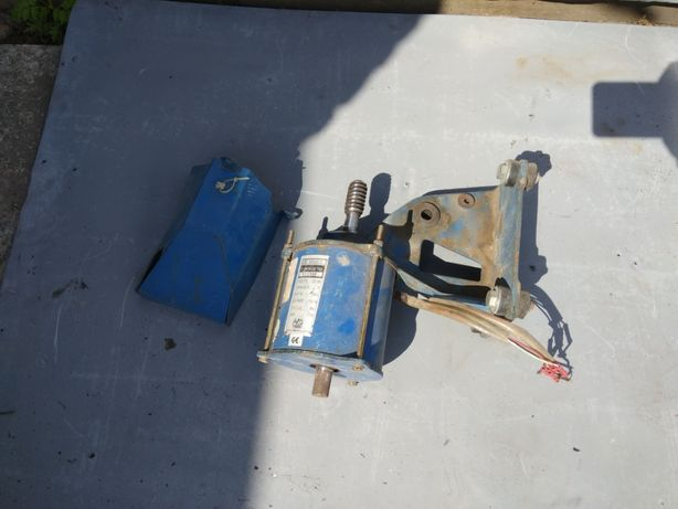 Електродвигатель для ворот