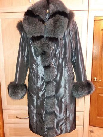Продам зимнее пальто на подстежке из кроличьего меха