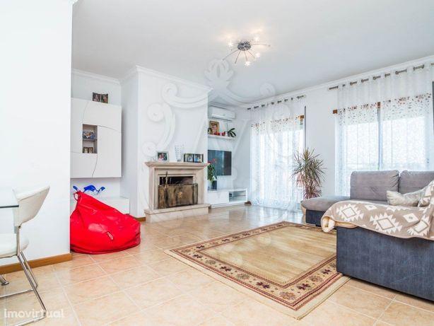 Comprar apartamento T2 _ Marinha Grande
