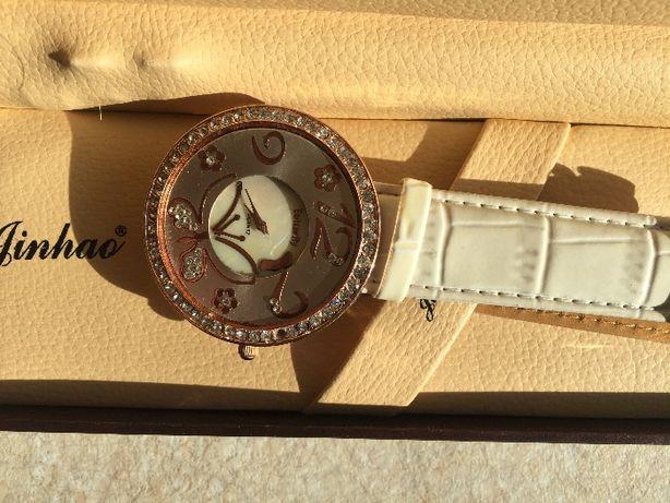 Женские наручные часы Butterfly