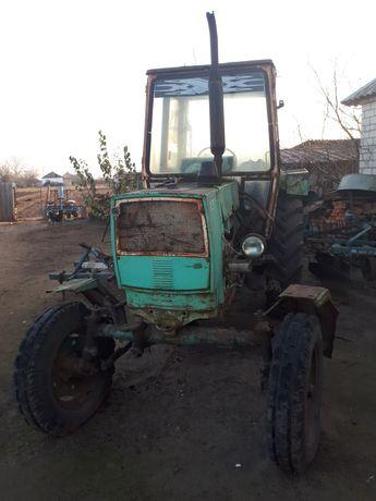 Трактор ЮМЗ 6 КЛ цена с плугом и культиватор.