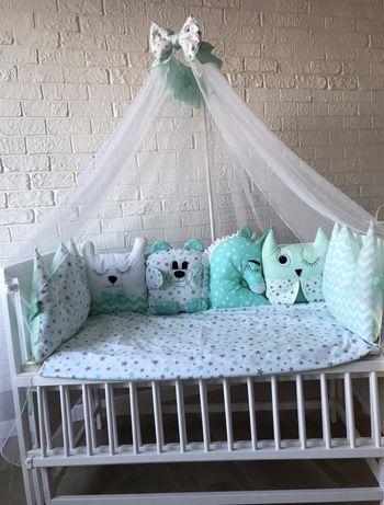 Комплект в детскую кроватку «Игрушки». Подушка игрушка + косса.