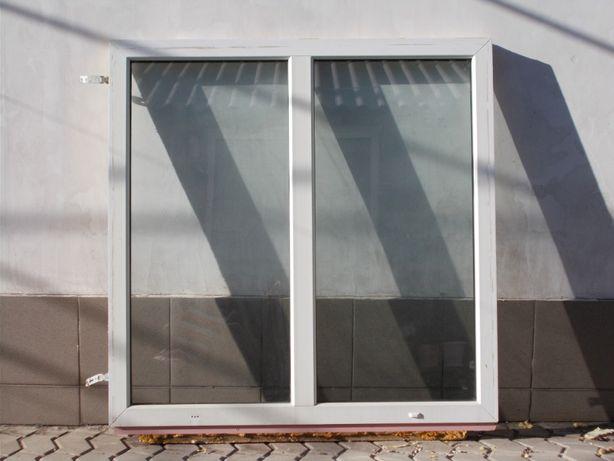 пластиковые окна(2 шт)