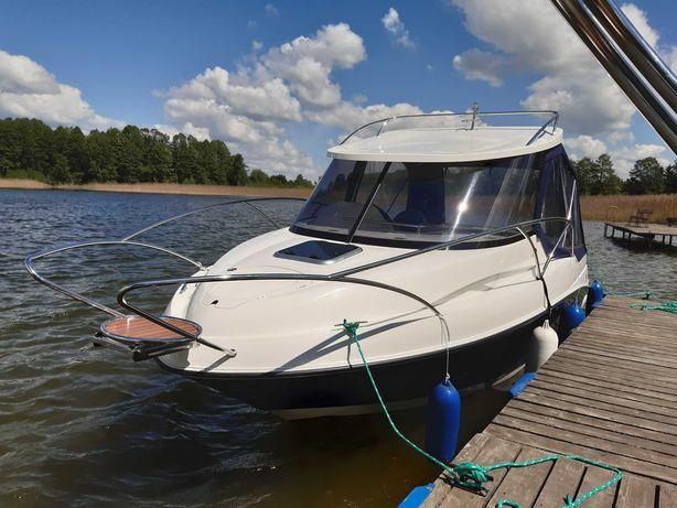 Jacht motorowy Escapade 600 Camper