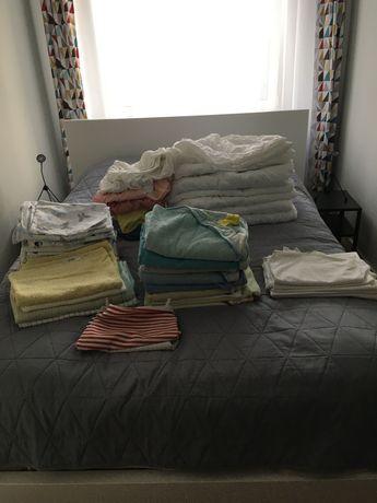 Wyprawka dla niemowlaka - kołderki, pościele, podkłady, ręczniki