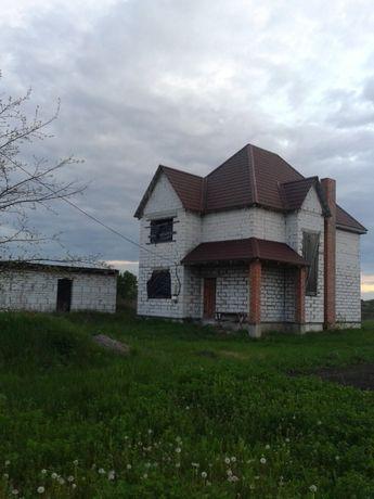 Продається недобудований будинок + гараж