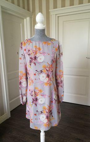 Sukienka w pastelowych kolorach w rozmiarze 38