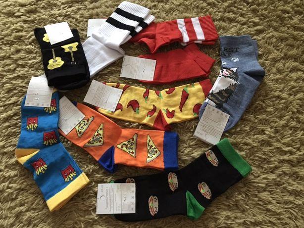 Шкарпетки (носки) кольорові, чоловічі і жіночі.