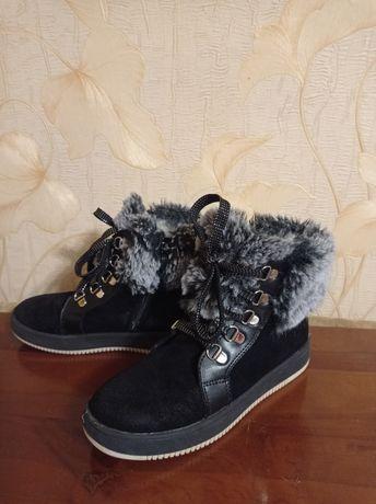 Ботинки зимние -уги