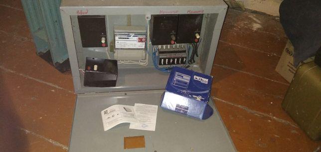 Трехфазный электронный счетчик ЦЭ6803В и шкаф