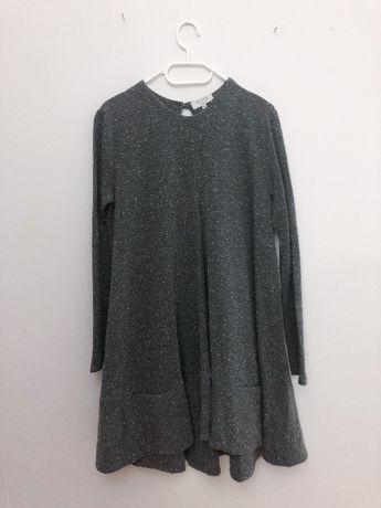 Dresowa sukienka z łezką na plecach 36 S