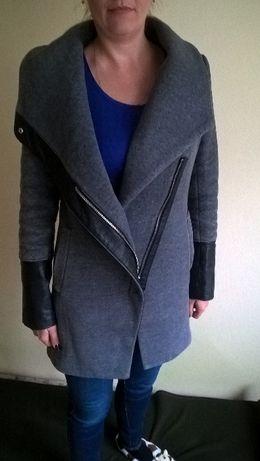 płaszcz szary z czarnymi wstawkami