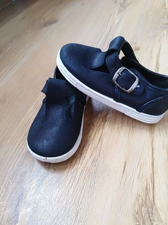 Взуття на хлопчика. Кросівки.
