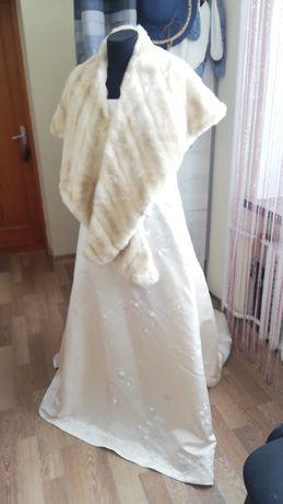 Весільна сукня для шикарної нареченої