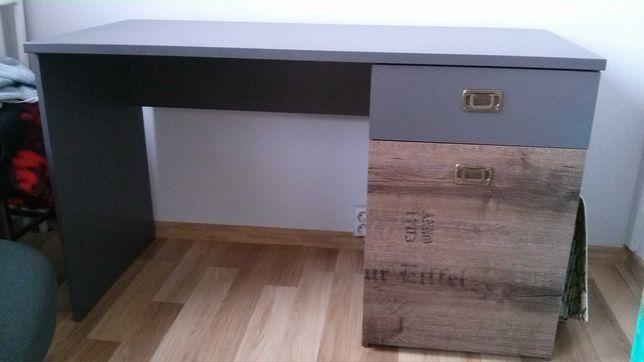 biurko i krzesło biurowe