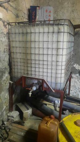 Beczka na olej napędowy mauzer z podstawą stojaku z kranem zbiornik