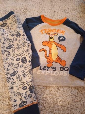 Piżamka chłopięca r.92 Disney
