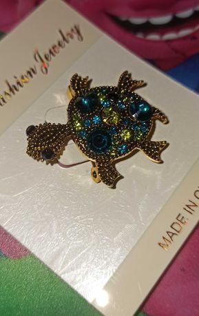 Черепаха з кольоровими перлинками, камінцями