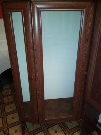 Шкаф 300 гривен.