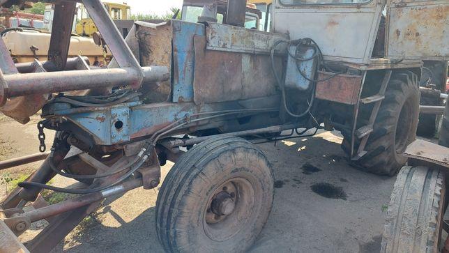 Продам трактор, погрузчик экскаватор Карпатец