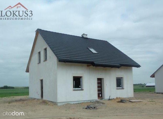 Dom w Piaskach koło Lututowa