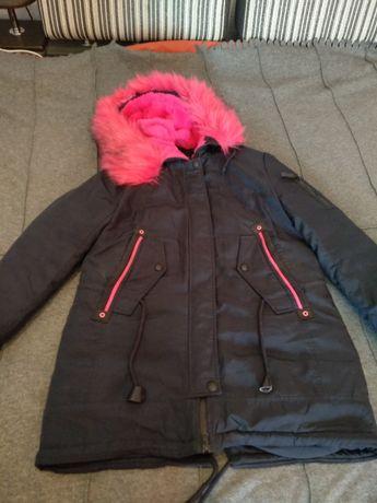 Продаю теплый и качественный пуховик пальто куртка
