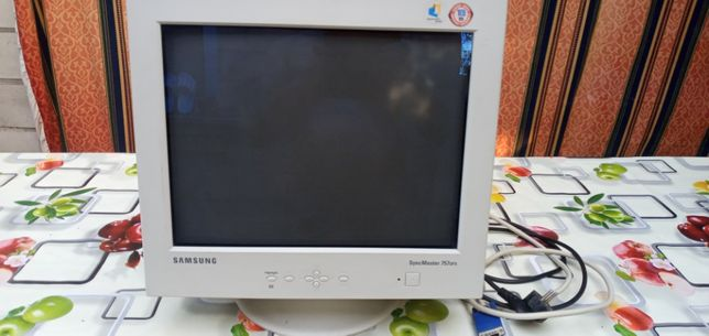 Монитор Samsung SyncMaster 757 DFX
