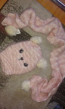Nowy zestaw dla dziewczynki czapka i szalik pompony