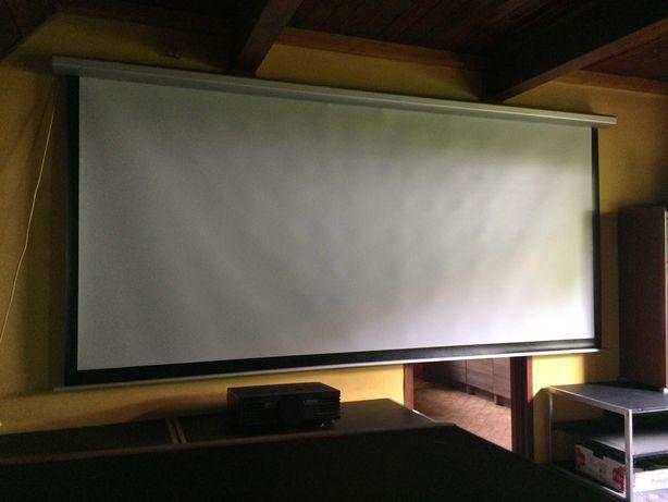 Ekran projekcyjny KRAFTMANN 133 cale Elektryczny - Stan idealny