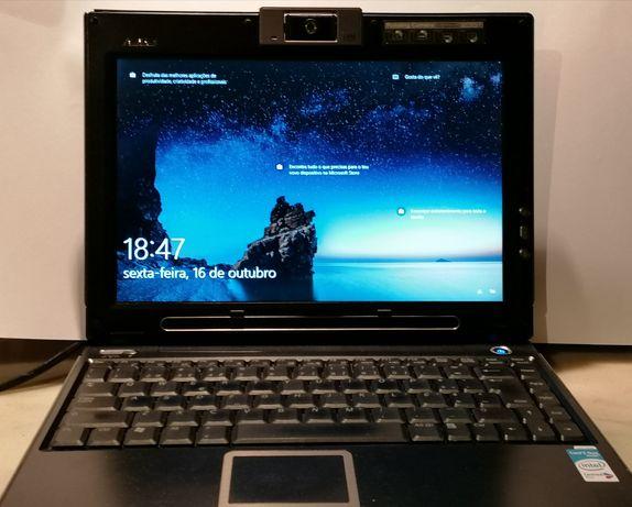 Portátil Asus W5F com 2 monitores e Windows 10