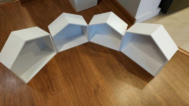 Półki w kształcie domków