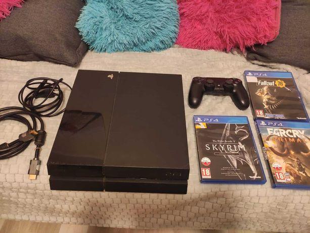 Konsola Playstation 4 wraz z padem i grami!!! Super stan !!! PS4