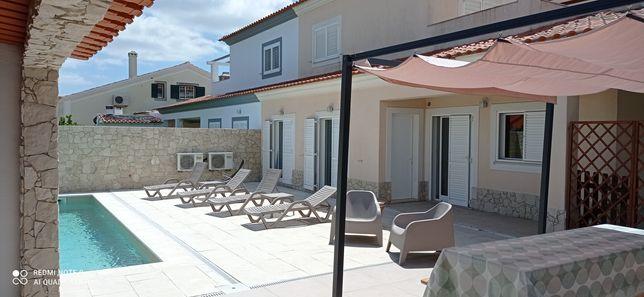 Casa T4 com piscina privada