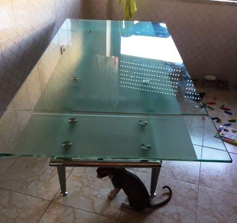 mesa de vidro oferta de 6 cadeiras para restauro
